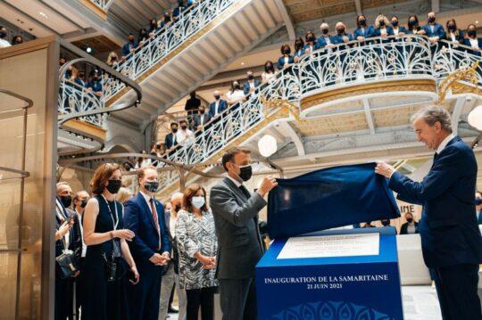 Mitterand inaugurait une très grande bibliothèque. Chirac inaugurait un musée des arts premiers. Macron inaugure un centre commercial.